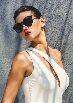 This sophisticated, one-shoulder swimsuit has an asymmetrical design which will add a touch of chic to your poolside attire.