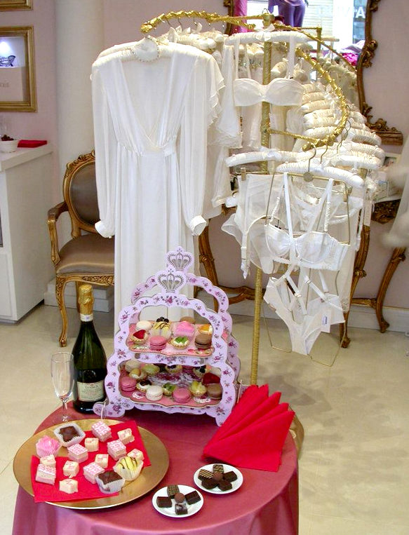 Prosecco and bridal lingerie at Dolci Follie